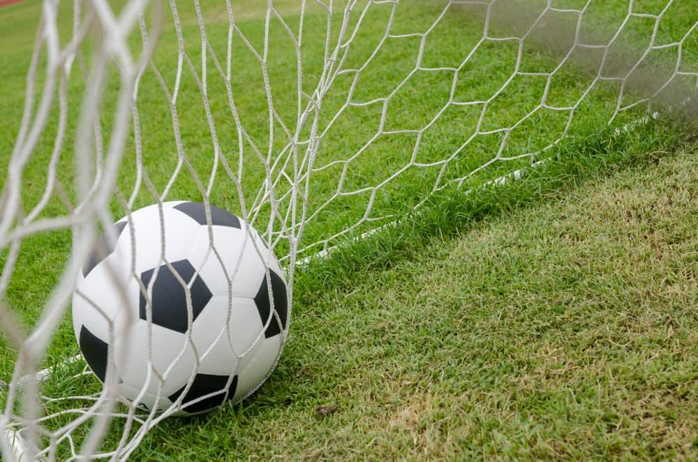 Ruszają niższe ligi piłkarskie – co słychać u lokalnych drużyn?